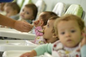 Um terço das crianças de 0 a 3 anos mais pobres do Brasil está fora da creche por falta de vaga, diz IBGE