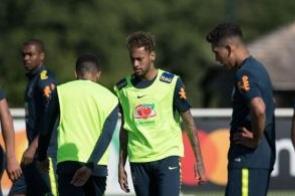 Tite arma time titular com Neymar para amistoso