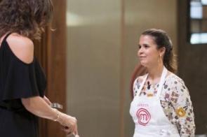 Carne de jacaré elimina Katleen do MasterChef e deixa Hugo desolado