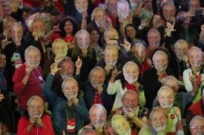 Oficializado candidato, Lula vai à Justiça para participar de debate