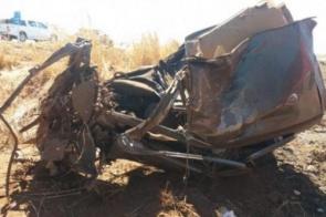 Motorista morre ao ter carro arrastado por 150m após colisão com carreta