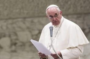 Papa diz que países devem pensar bem antes de devolver imigrantes