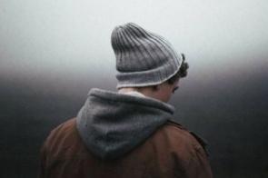 Suicídio é a terceira causa de morte de homens jovens, mas é possível prevenir