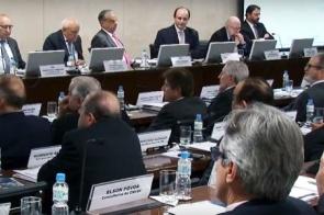 Em reunião com o ministro da Educação, Longen demonstra preocupação com quadro atual