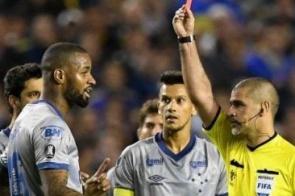 Conmebol anula suspensão, e Dedé poderá jogar contra o Boca Juniors