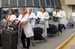 Cuba decide deixar programa Mais Médicos no Brasil e cita declarações 'ameaçadoras' de Bolsonaro