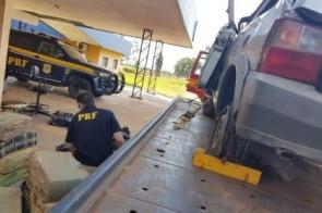 Traficante capota veículo e polícia apreende maconha e haxixe
