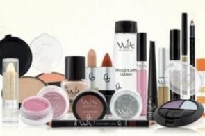 Quinta-feira  é  dia de promoções especial em toda linha de maquiagem na Farmácia Pioneira