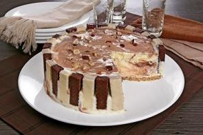 Torta de sorvete com brigadeiro é alternativa para dias quentes