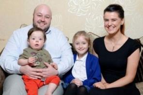 Bebê de nove meses sofre 25 paradas cardíacas em um dia
