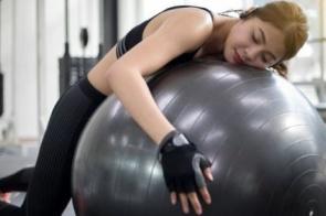 8 técnicas usadas por atletas para maximizar o descanso durante o sono