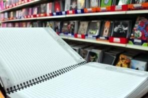 Briga entre empresas atrasa compra de kit escolar