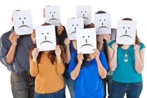 Tristeza é o sentimento que mais predomina no mundo, diz pesquisa