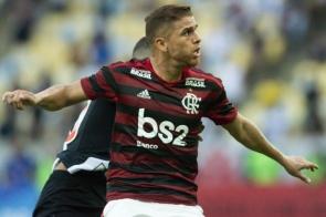 Cuéllar diz desconhecer propostas e garante: 'Estou feliz no Flamengo'