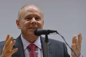 Mantega virá réu na Justiça Federal por fraudes de R$ 8 bi no BNDES