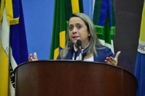 Lia Nogueira volta cobrar compromisso de pagamento em dia aos médicos da UPA