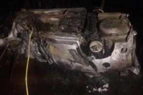 Pacientes de hemodiálise morrem após Van bater em caminhão e pegar fogo na rodovia