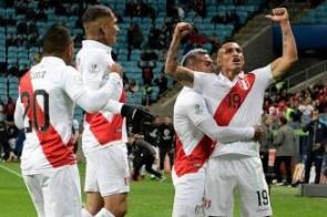Peru goleia o Chile e enfrenta o Brasil na final da Copa América