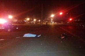 Acidente na Coronel Ponciano mata motociclista, deixa passageira ferida e motorista foge