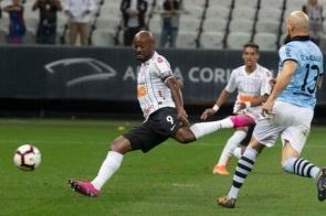 Corinthians enfrenta o Montevideo Wanderers em busca da vaga às quartas de final