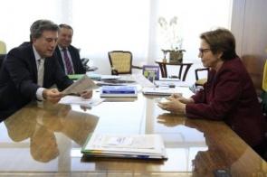 Murilo apresenta a Tereza Cristina projetos de infraestrutura para assentamentos