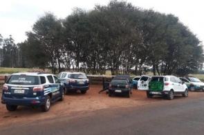 Dupla é presa com mais de meia tonelada de droga e carros roubados