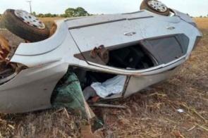 Polícia apura morte de motorista que capotou várias vezes na MS-473