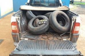 Veículo carregado com pneus contrabandeados é apreendido