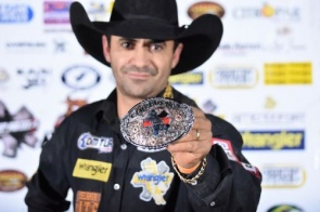 Peão de MS conquista título nacional de rodeio