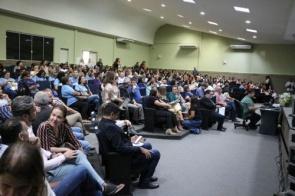 Seminário entrega veículos e reforça protagonismo de MS nas políticas sociais