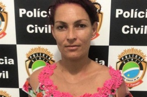Polícia prende mulher que assassinou idoso a golpes de faca