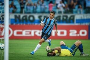Douradense marca pelo Grêmio e ajuda a 'afundar' Cruzeiro
