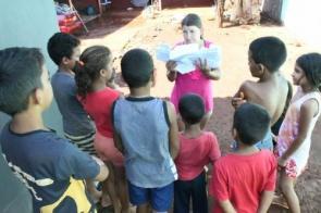 Em favela, adoção de cartas é esperança para crianças que sonham com o Papai Noel