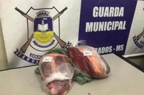 Homem é preso após furtar quase R$ 170 em carne de mercado