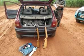 Polícia prende caçadores e apreende rifles, munições e veículo