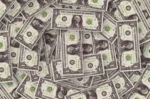 Dólar opera em alta e chega a bater R$ 4,31