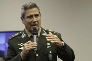 General Braga Netto vai coordenar os ministros, diz Bolsonaro