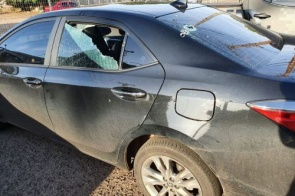 Carro de deputado federal é atacado a tiros e polícia investiga o caso