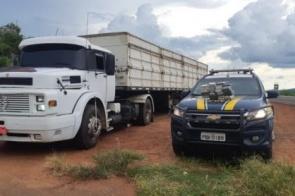 Motorista tenta se livrar de 32 quilos de cocaína, mas é preso