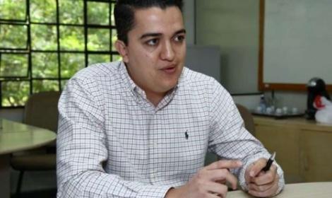 Ex-secretário preso ficará isolado após ser flagrado com celular em cela da PED