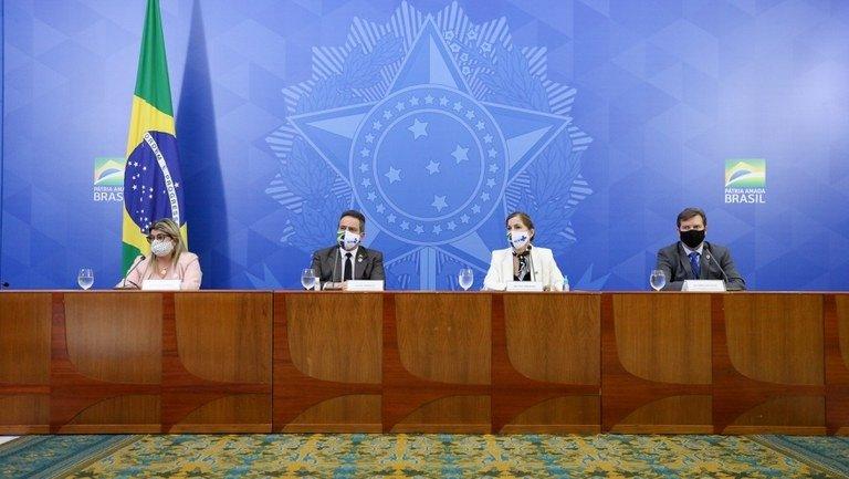 Coletiva de imprensa com equipe técnica do Ministério da Saúde - Foto: Júlio Nascimento/PR