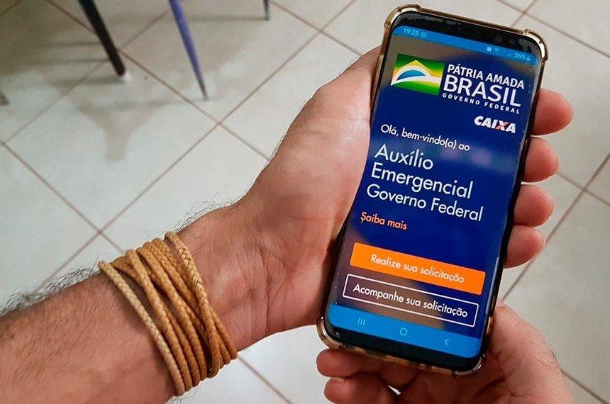 O Ministério da Economia anunciou que se o pagamento do benefício for prorrogado o valor cairá para R$ 200Barbara Batista/Agência Senado