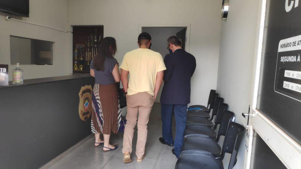 O suspeito se apresentou na manhã desta segunda-feira - Crédito: Osvaldo Duarte/Dourados News