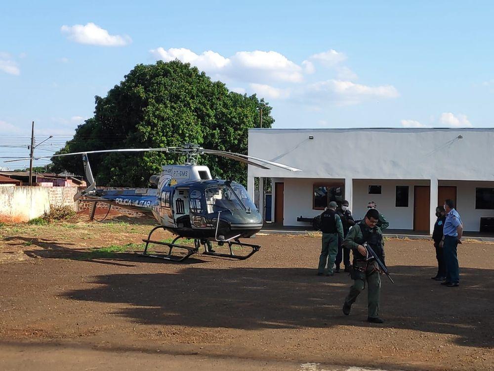Operação conta com apio do helicóptero do GPA - Crédito: Osvaldo Duarte/Dourados News