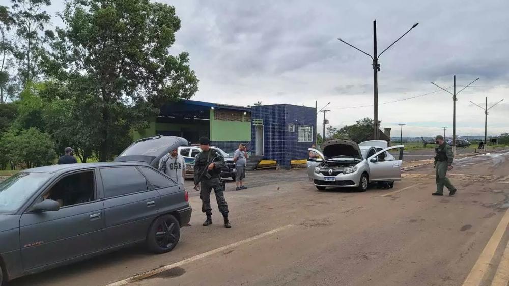 Policiais durante fiscalização nesta manhã. (Foto: Divulgação | Sejusp)