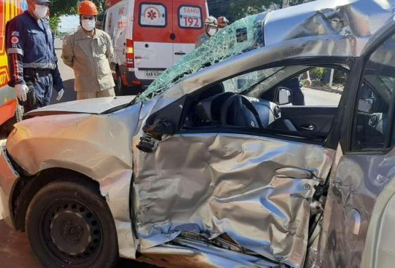 Acidente aconteceu nesta tarde em Campo Grande - Crédito: Karina Campos/Midiamax