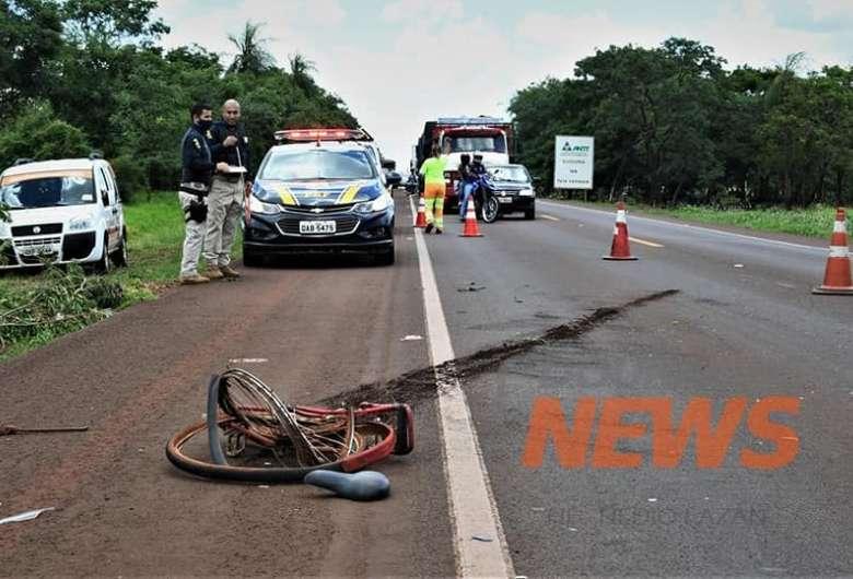 Homem foi atropelado na BR-163 na manhã desta sexta - Crédito: Hedio Fazan/Dourados News