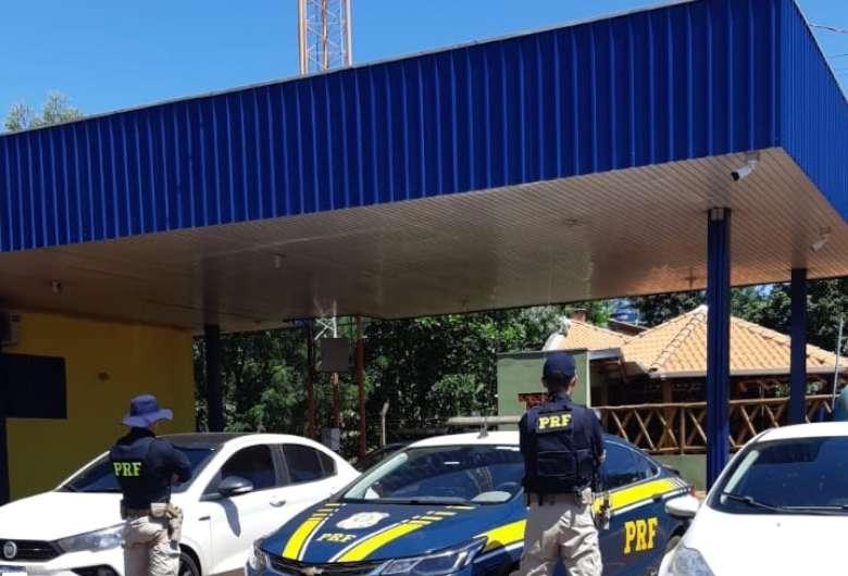 Veículos foram apreendidos e motoristas autuados por receptação - Crédito: Divulgação/PRF