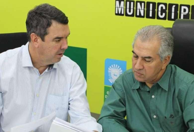 Secretário de Infraestrutura Eduardo Riedel ao lado do governador Reinaldo Azambuja - Crédito: Divulgação