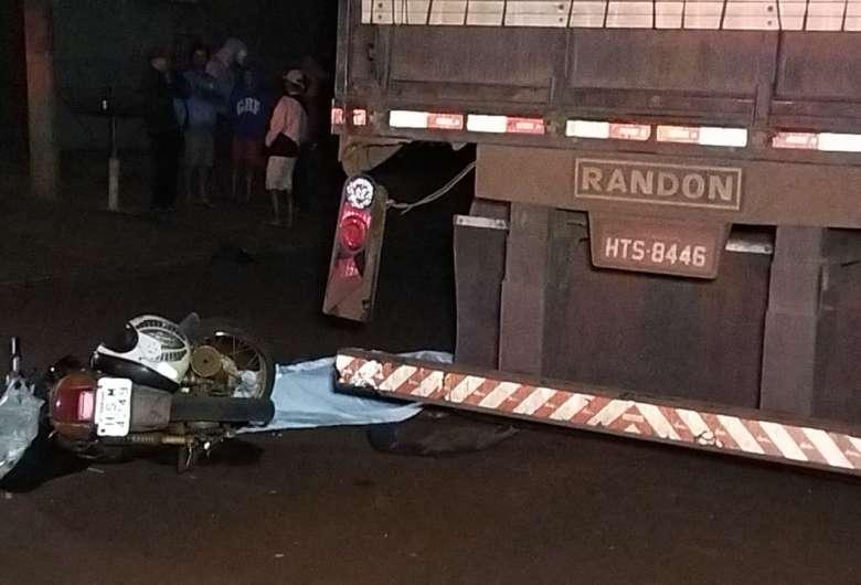 Acidente ocorreu na noite de domingo em Dourados - Crédito: Osvaldo Duarte/Dourados News
